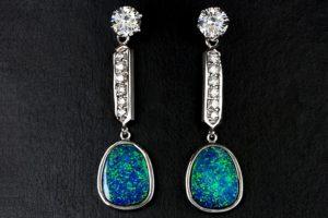 Ear-Els-Opal